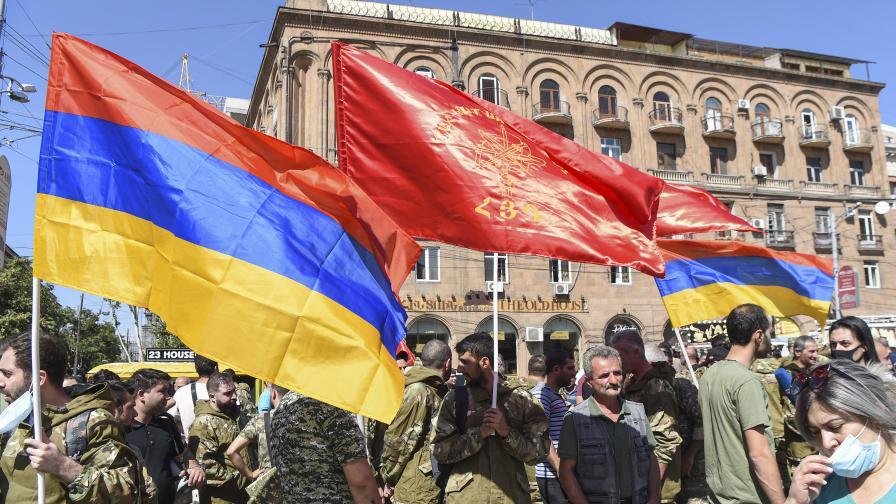 Ескалация, военно положение в Армения, Азербайджан и Нагорни Карабах