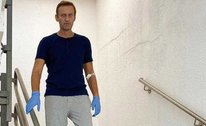 Меркел посети Навални в болницата