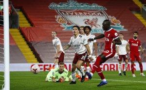 Ливърпул се разправи с Арсенал, Лаказет длъжник на тима си