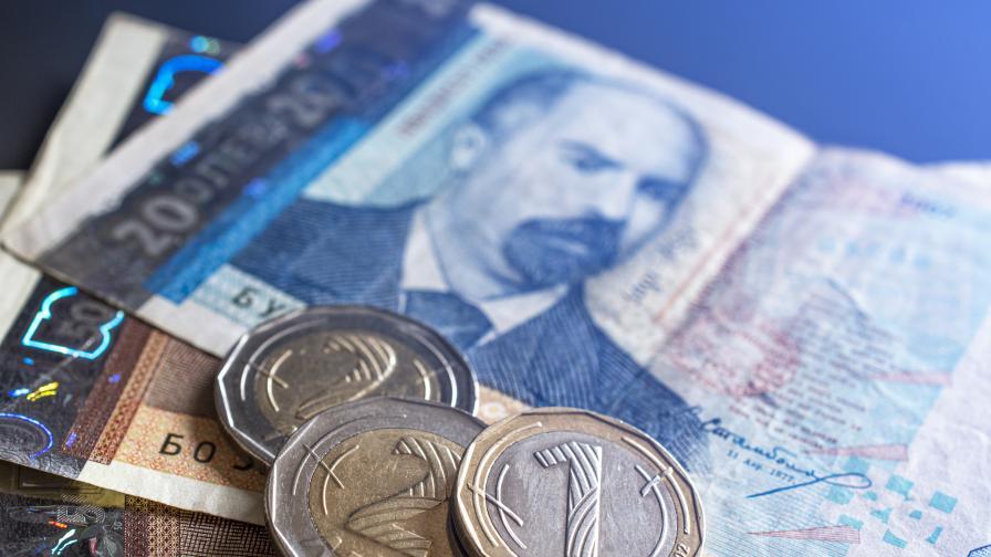 Увеличават заплащането на личните асистенти