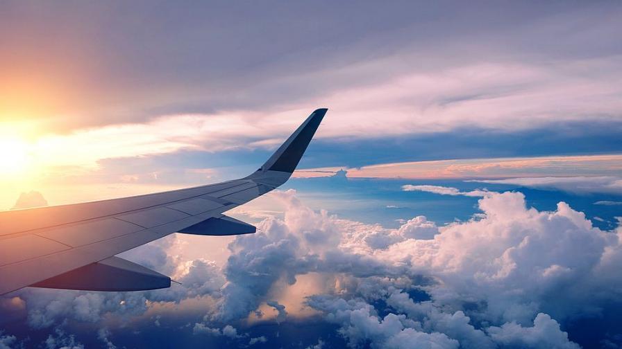 В Киев, вместо Валенсия: Как българка се качи на грешния самолет