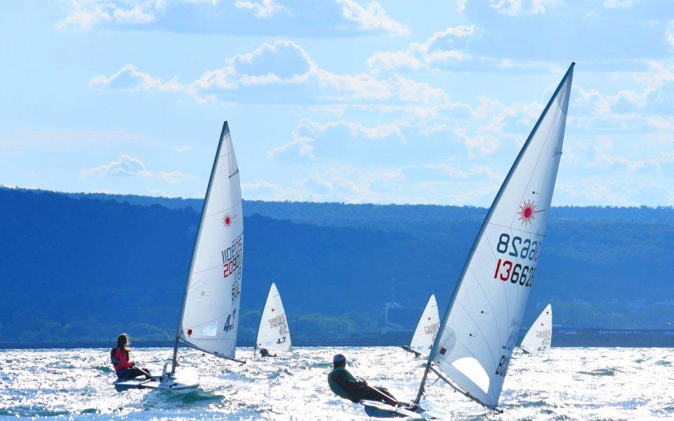 40 лодки стартираха в Европейската купа по ветроходство в клас Лазер във Варна