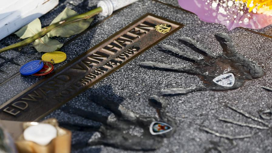 Почина рок легендата Един Ван Хален