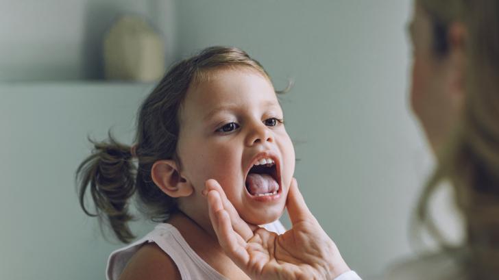 Изпитани бабини рецепти за болно гърло