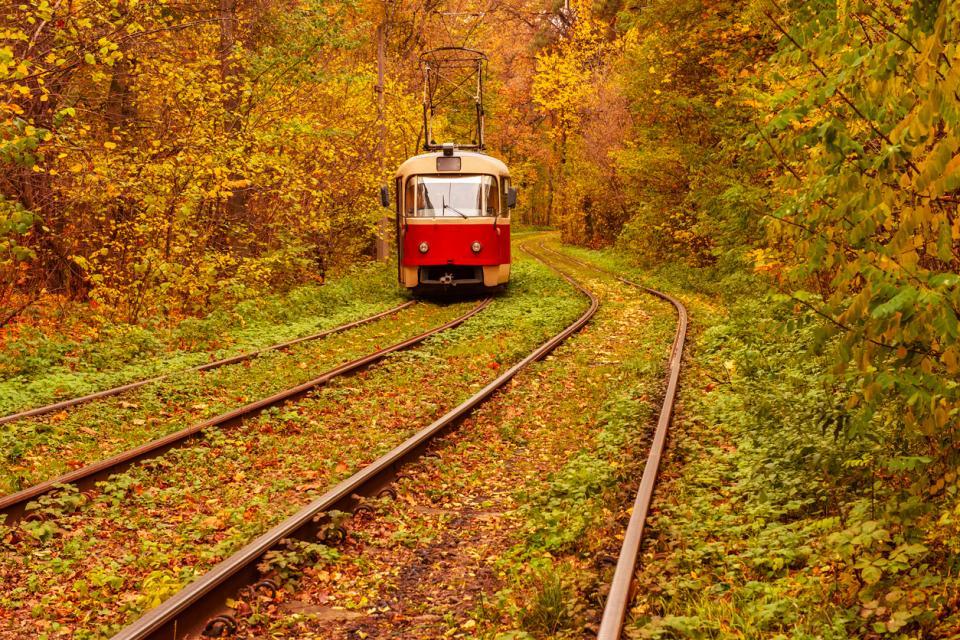 трамвай есен