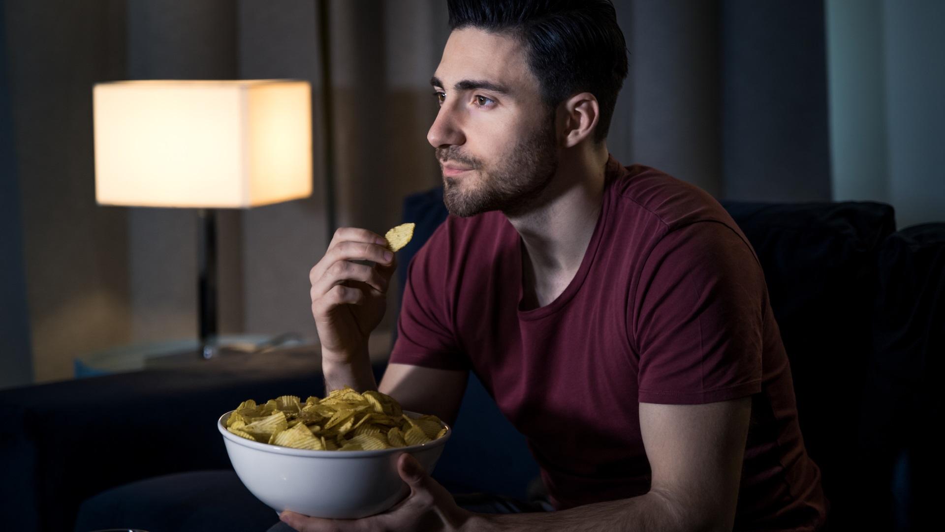 <p><strong>Пристрастявате се</strong></p>  <p>Учените са установили, че това, което прави чипса пристрастяваща храна не е вкусът, а &hellip;хрупкавостта. Хората свързват силния звук на хрупкавостта със свежестта на храната и това я прави много силно желана.</p>