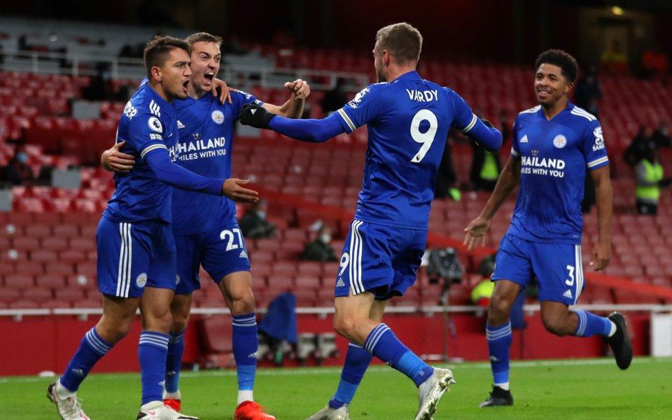 Отборите на Арсенал и Лестър играят при резултат 0:1в мач