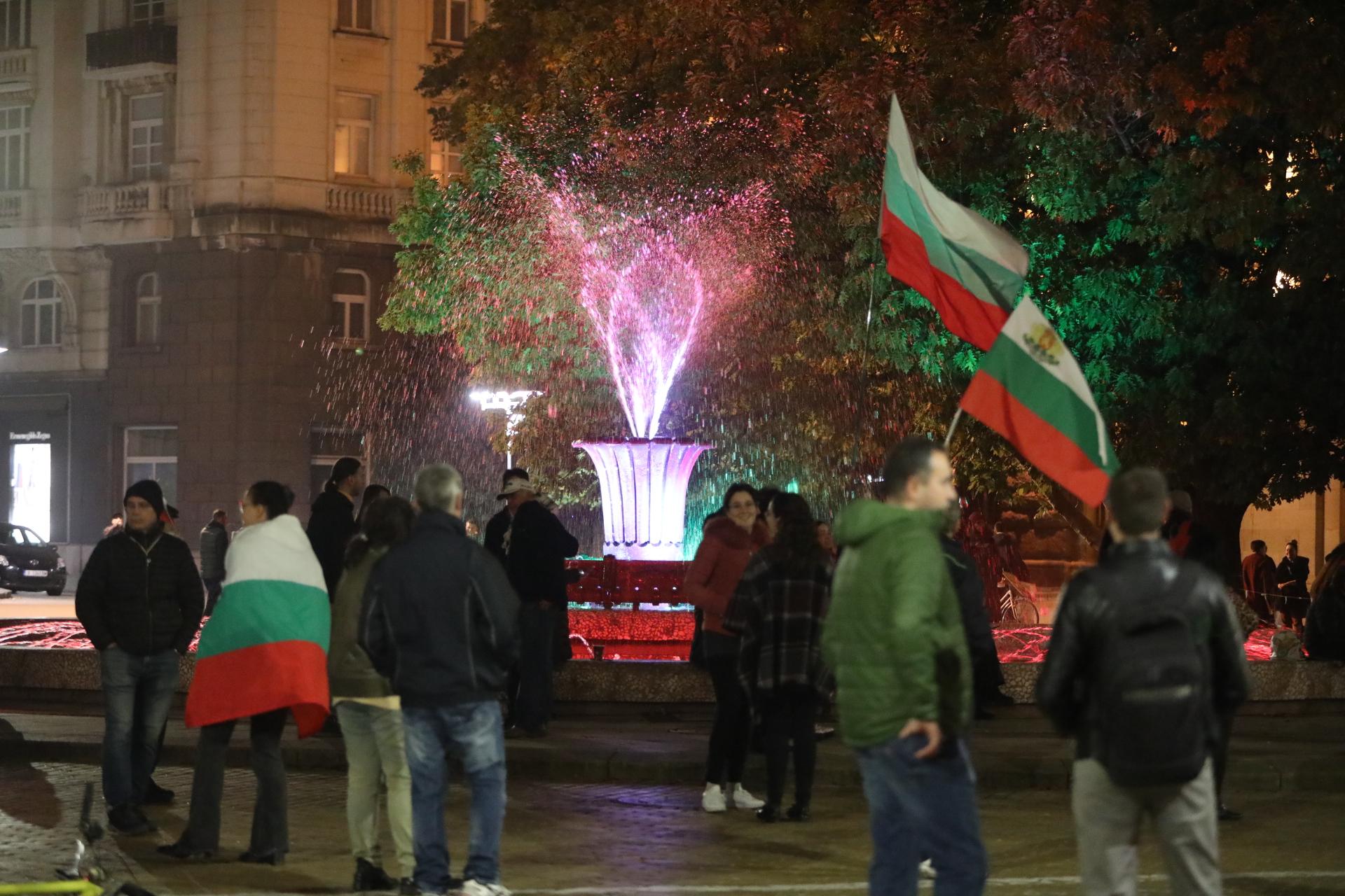 <p>110 вечери на антиправителствени протести</p>
