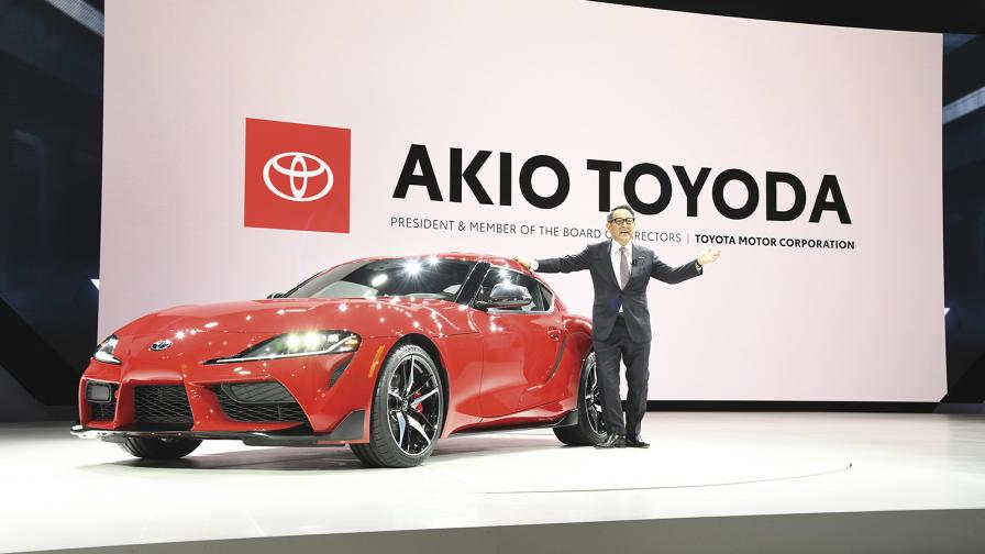 В момента Tesla струва повече от Toyota и други шест японски автомобилни производители заедно.
