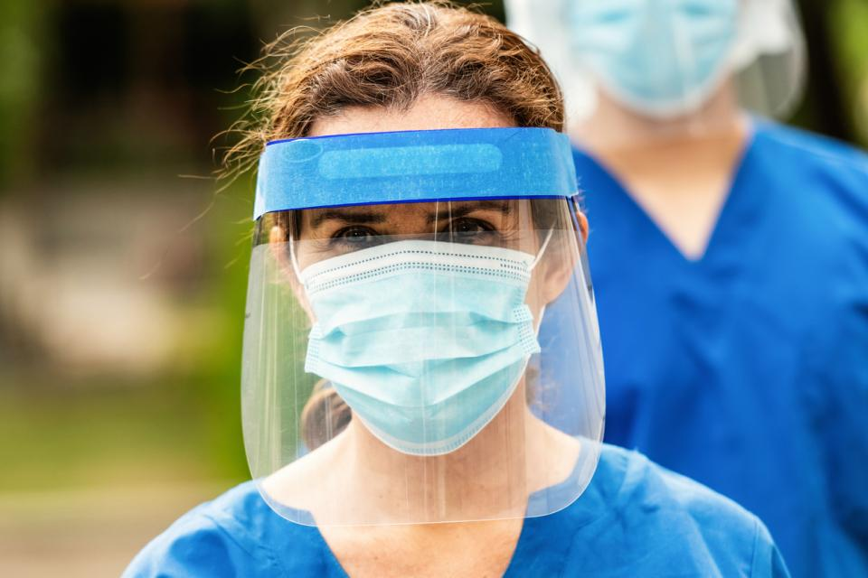 щит маска коронавирус жена covid 19 защита