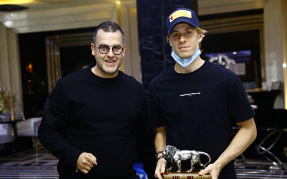 Български лъв за световната звезда Шаповалов!
