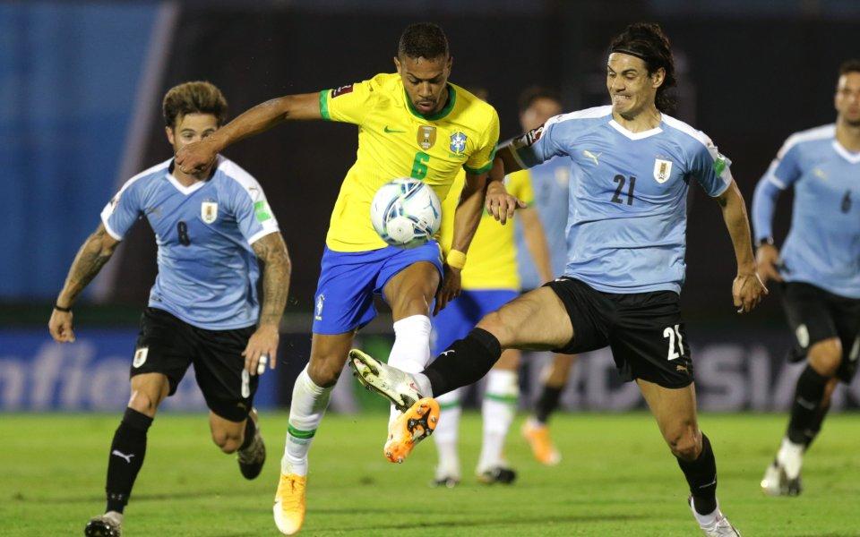 Бразилия мина и през Уругвай, изгониха Кавани