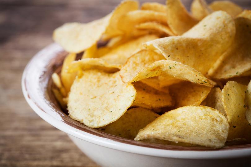 <p><strong>Овен: чипс</strong></p>  <p>Винаги сте в движение и когато сте гладни, сте твърде нетърпеливи, за да чакате да се приготви цялата храна. Вместо това разкъсвате пликче с чипс, грабвате една шепа и, разбира се, облизвате пръстите си в края. Хей, всички го правят!</p>