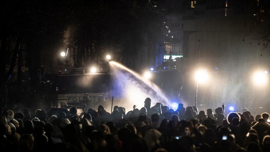 Протест срещу закона за глобалната сигурност