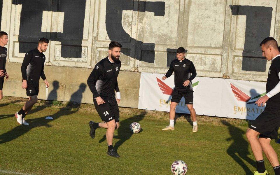 Локо Пд стартира подготовката си за дербито, Тунчев привика петима юноши