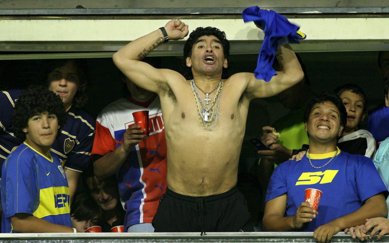 <p>Марадона извежда Наполи и до първи европейски трофей - Купата на УЕФА през 1989 година.</p>  <p>&nbsp;</p>