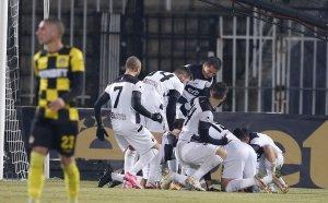 Локо изкърти всяка една мембрана на Ботев в дербито на Пловдив!