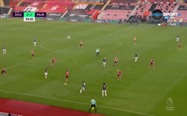 Фернандеш върна Юнайтед в играта след асистенция на Кавани