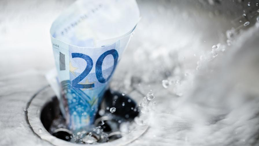 <p>Прокуратурата: КЕВР да коригира цената на водата заради ниско качество</p>