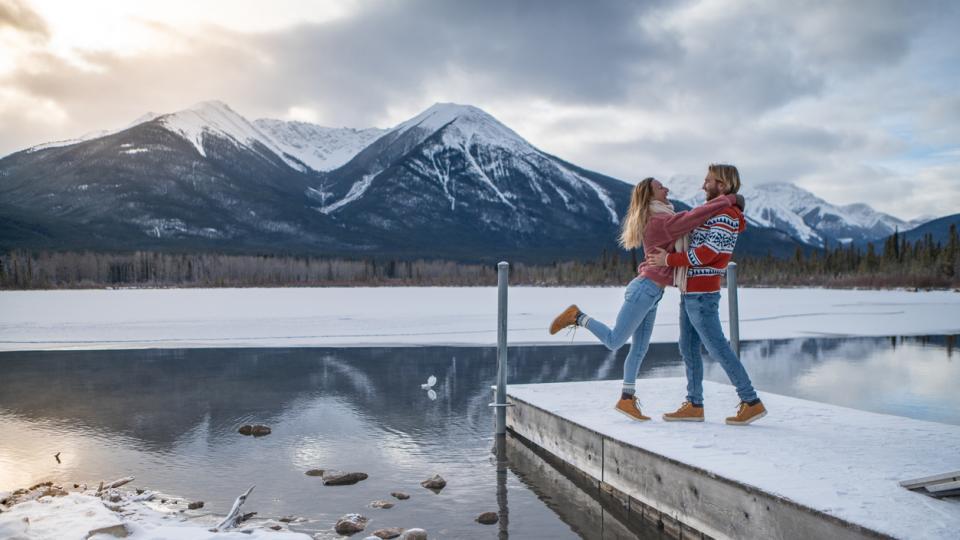 сняг зима любов двойка мъж жена природа