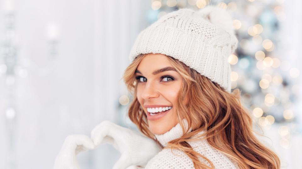мода зима бяло