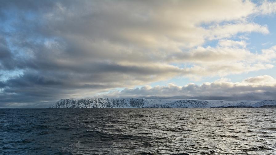 Руски риболовен кораб потъна в Баренцово море, изчезнали