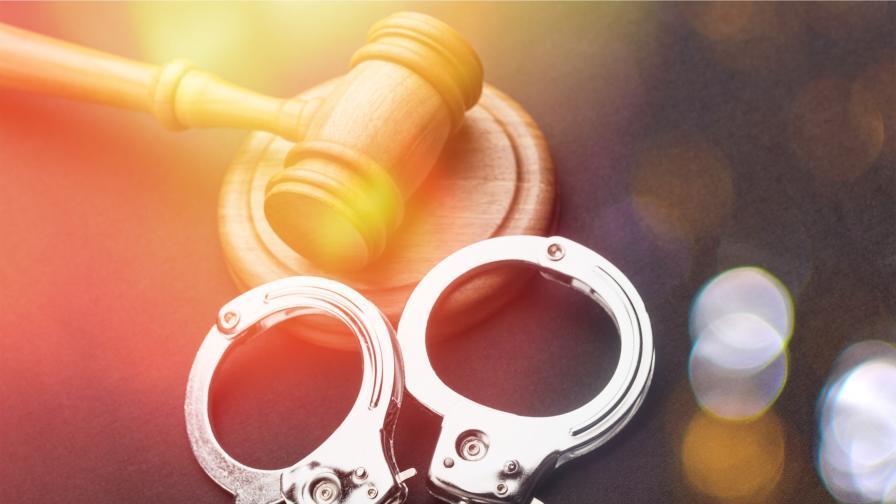 Задържаните в Букурещ българи, обвинени за телефонни измами, остават в ареста