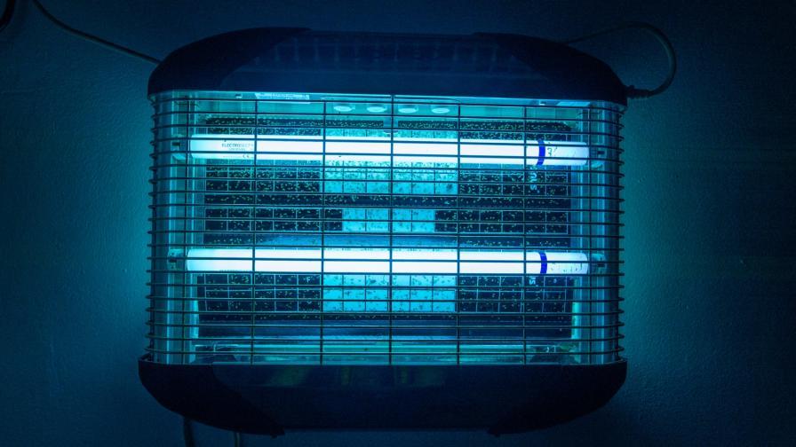 <p>Четири деца са с изгаряния заради UV лампа</p>