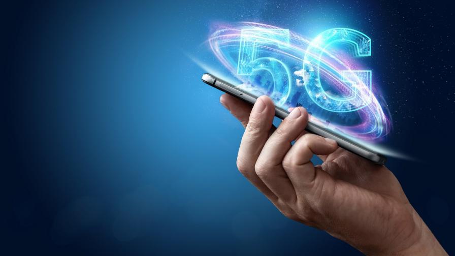 <p>5G вече по-достъпна с пет нови смартфона</p>