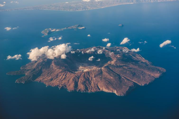 острови