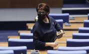 Атанасова: Готви се кражба на изборите, Нинова: Не си говорим