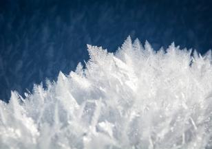 Времето в Европа: студ, сняг и лавини