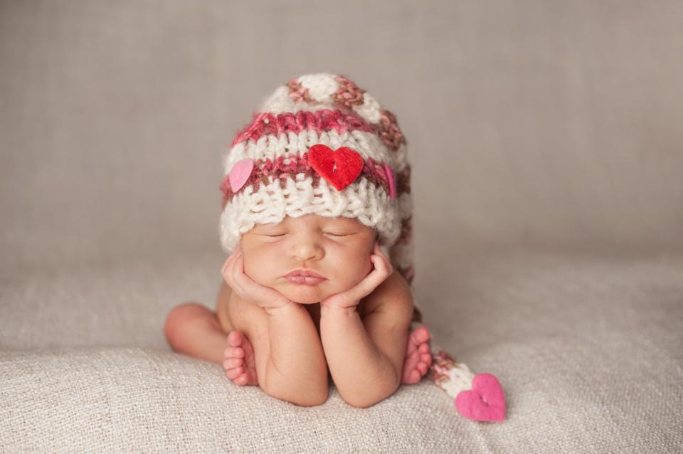 бебе новородено любов сърце сърца