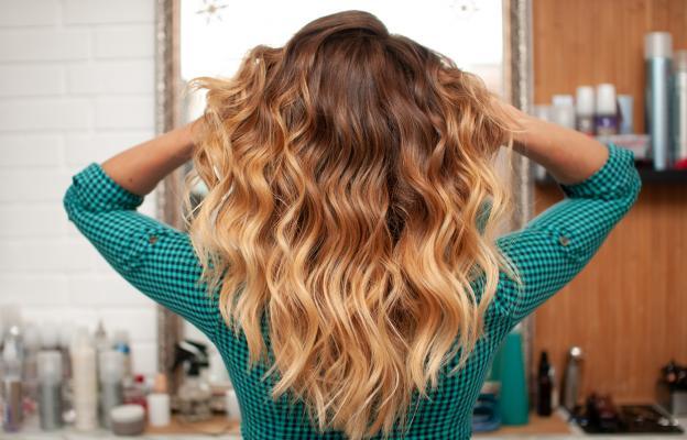 Нова прическа, а защо не и нов цвят на косата