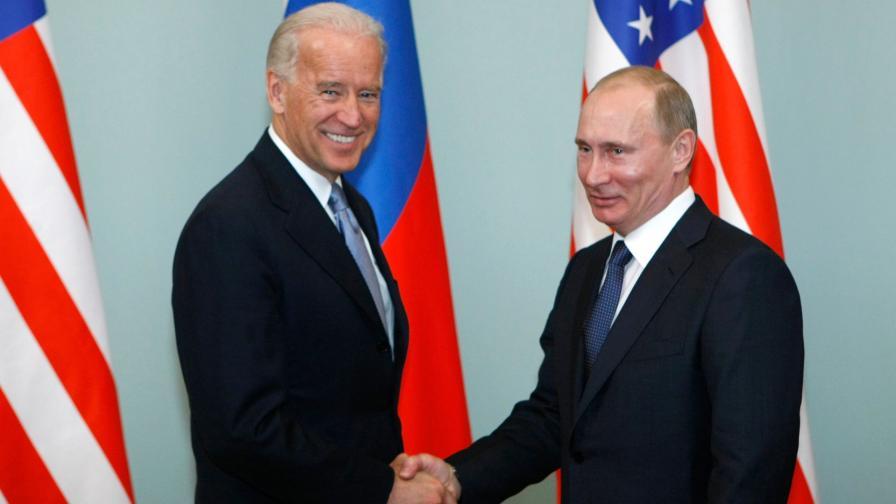 Джо Байдън (на снимката като вицепрезидент на Барак Обама) и Владимир Путин