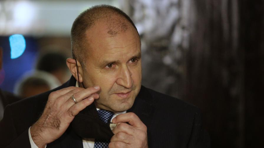 """Радев с остър отговор към Борисов: """"Това е театър за наивници"""""""