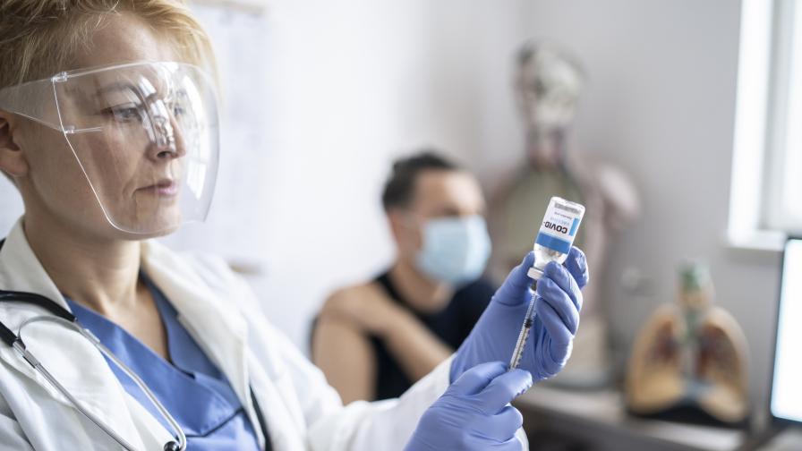 """""""Алфа Рисърч"""": Над 50% от българите не възнамеряват да се ваксинират"""