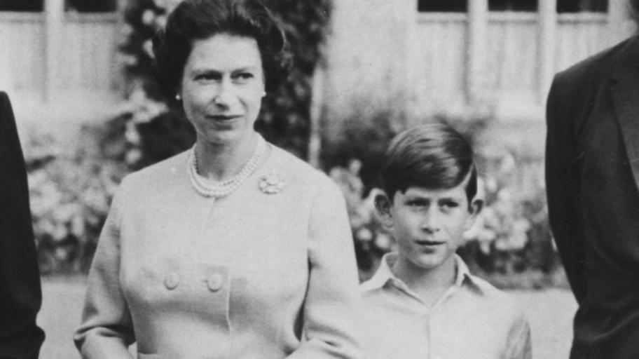 Как малкият принц Чарлз едва не проваля коронацията на Елизабет Втора