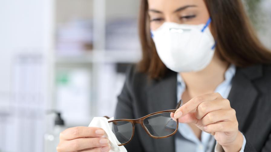<p>Три пъти по-малък риск от заразяване, ако носите това&nbsp;</p>