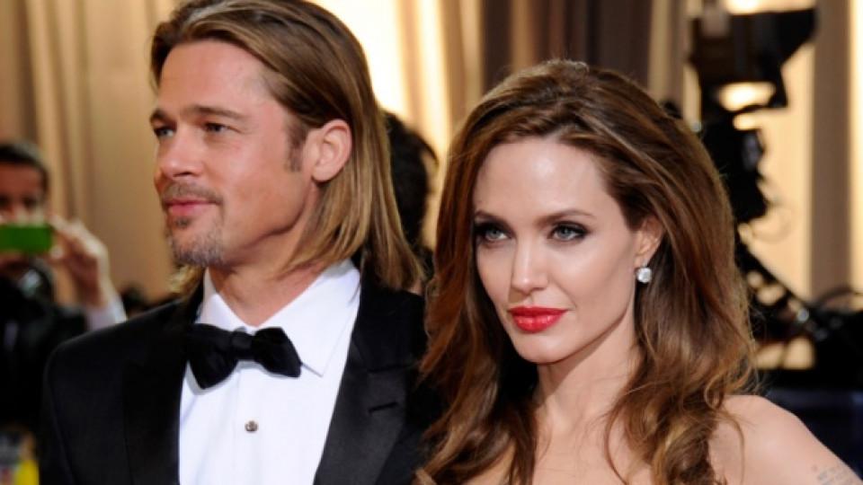 Сватбата на Джоли и Пит официално потвърдена