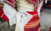 Поздрави и снимки в носии на известните българи за 3 март