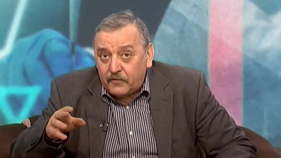 """Кантарджиев: Възобновяваме ваксинациите с """"Пфайзер"""" и """"Модерна"""""""
