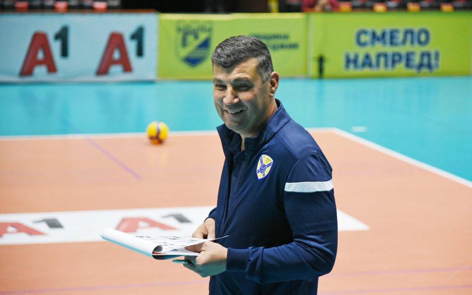 Старши треньорът на волейболния Хебър Пазарджик Драган Иванов бе откаран