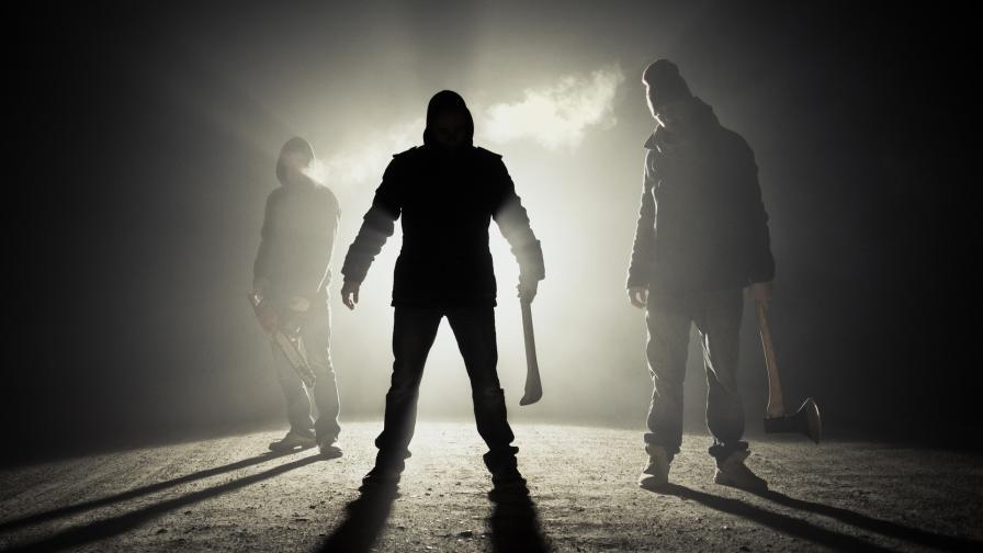 <p>Бракониери нападнаха горски. &bdquo;Опряха ми мачете в гърлото&rdquo;</p>