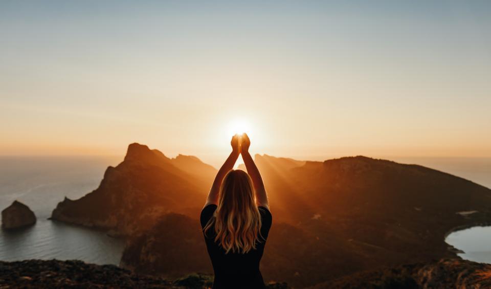 жена слънце йога духовно мистично магично слънце залез изгрев