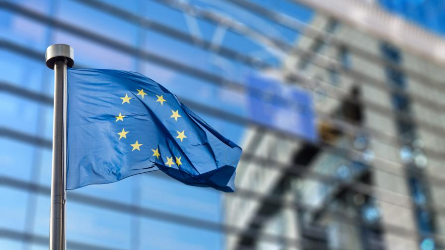 ЕК отпусна 13 млрд. евро на шест членки на ЕС за запазване на заетостта