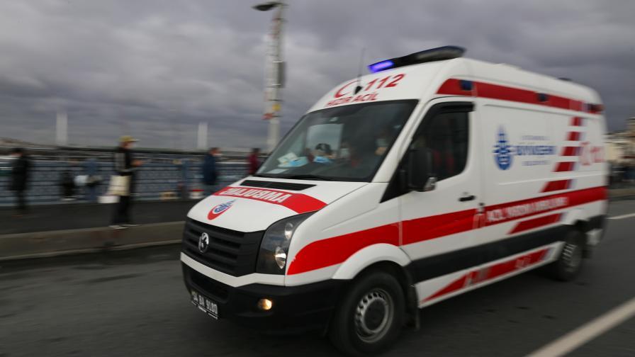 Тежка катастрофа с автобус в Турция, десетки ранени