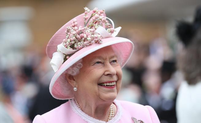 Готвят грандиозно празненство за 70-годишнината на Елизабет II на трона