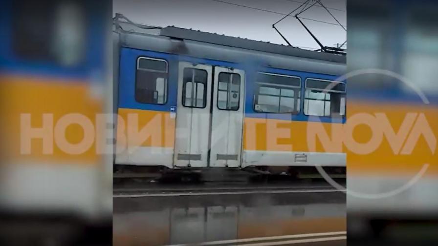 Камион и трамвай се удариха в София, има ли пострадали