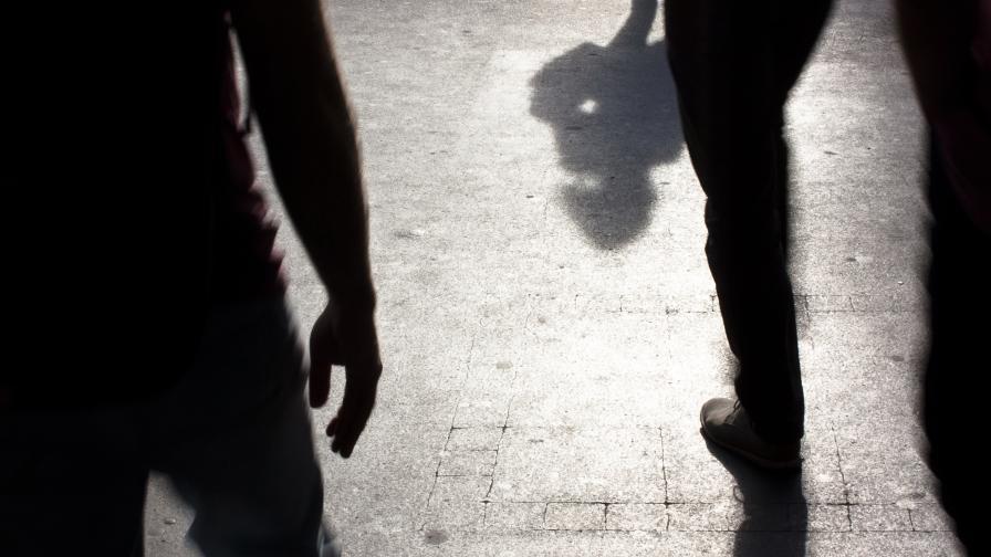 Деца нападнаха и ограбиха две жени във Врачанско